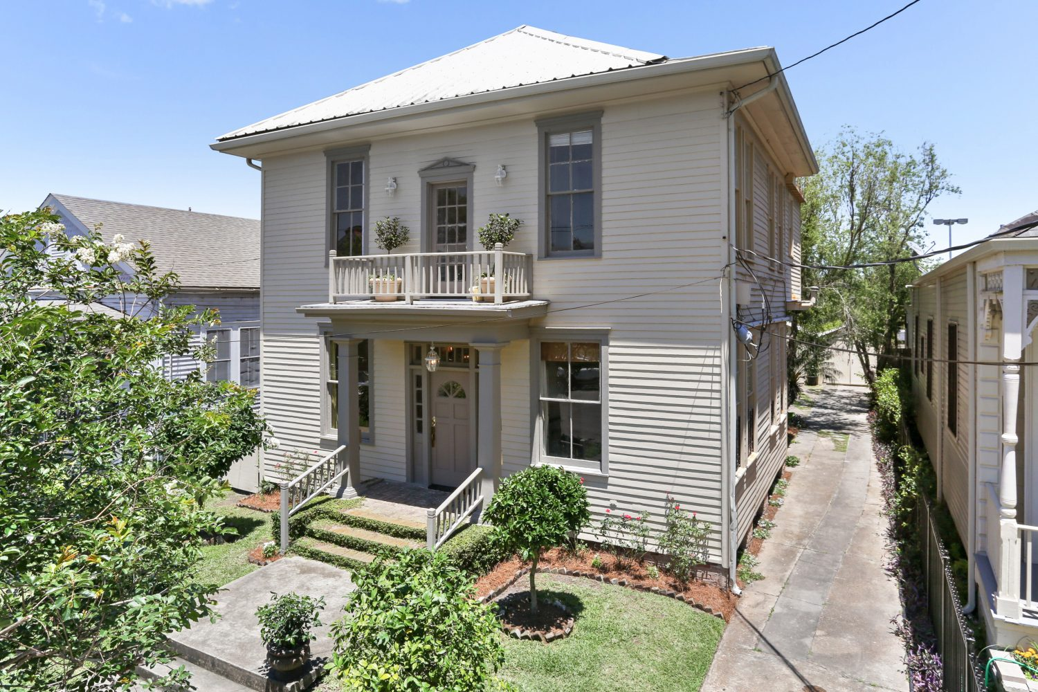 2121 Marengo St, 4  For Lease  McEnery Residential